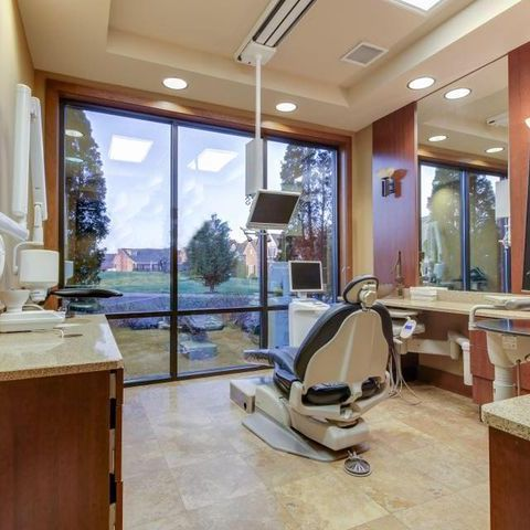 Spacious, bright dental treatment room