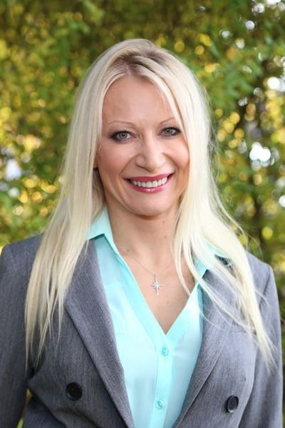Photo of Dr. Ewa Zoltek