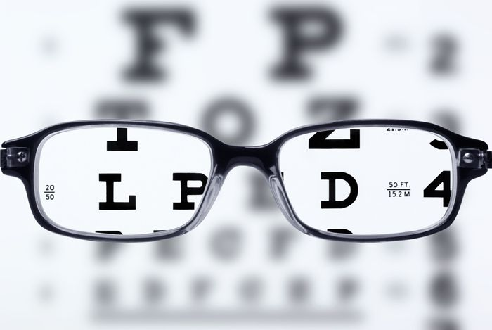 vision chart with glasses