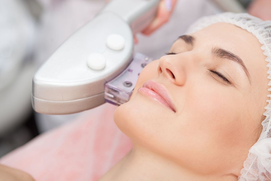 A woman undergoing Laser Genesis™ treatment