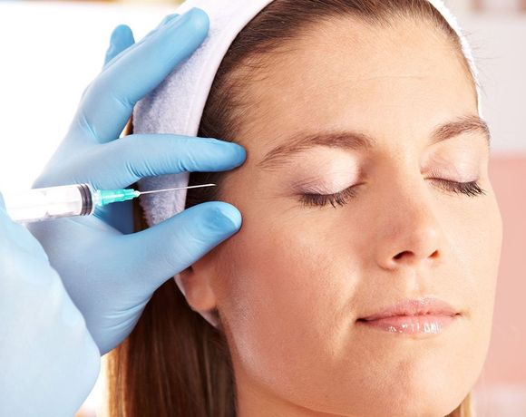 Woman receiving BOTOX
