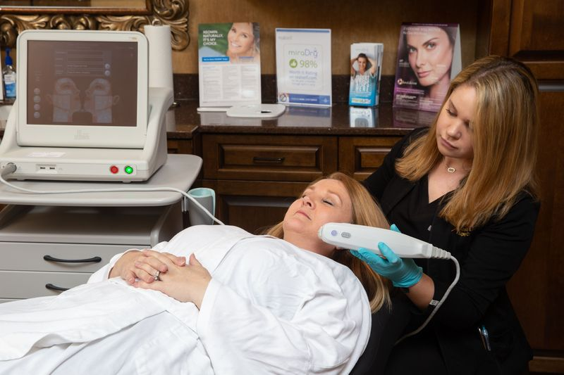 woman receiving ultherapy