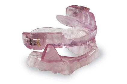 An oral appliance to treat sleep apnea