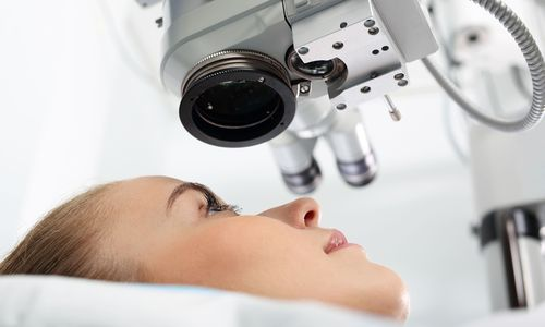 woman receiving LASIK treatment